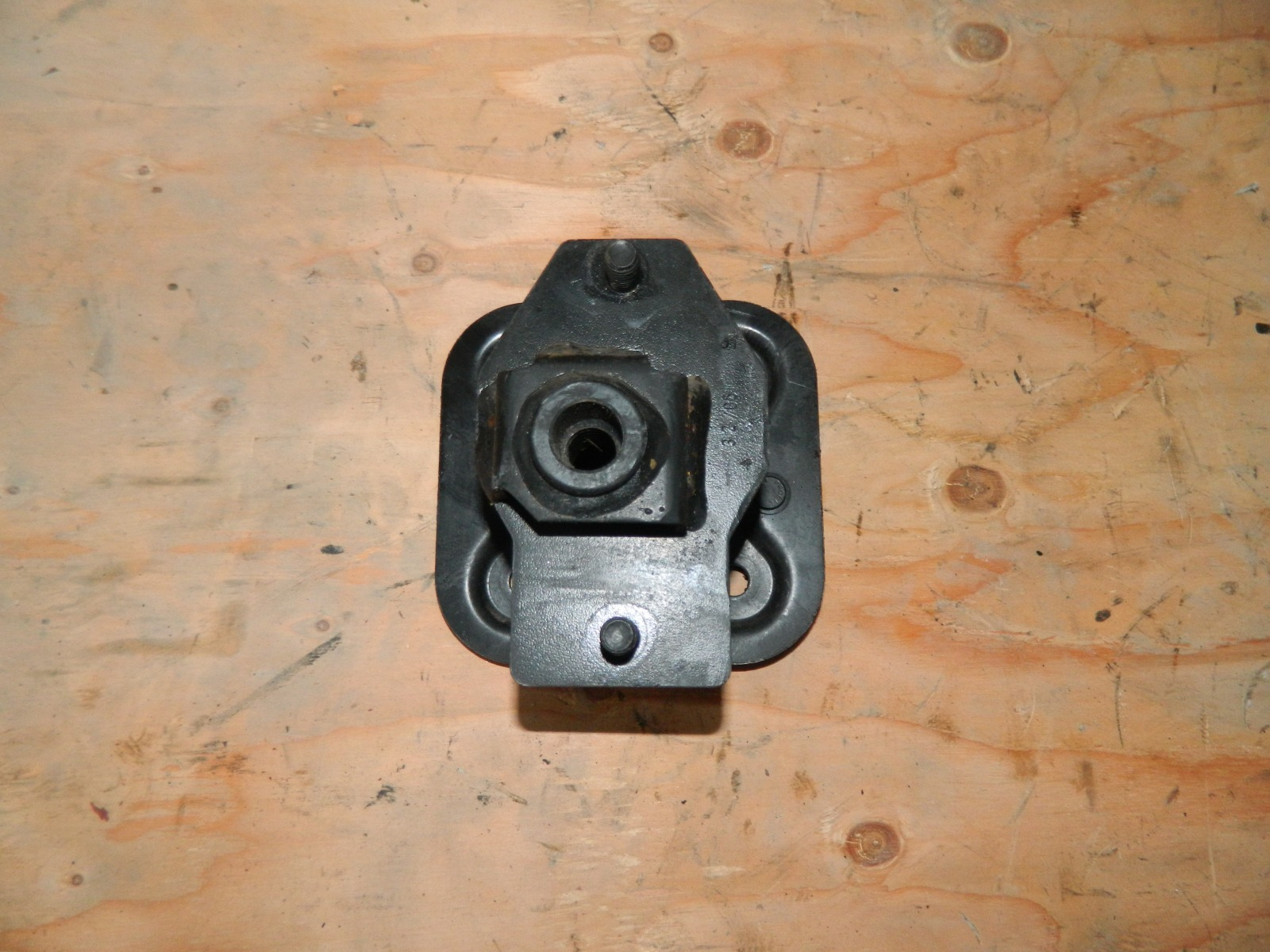 Кронштейн усилителя заднего бампера Bmw 530I E61 (б/у)