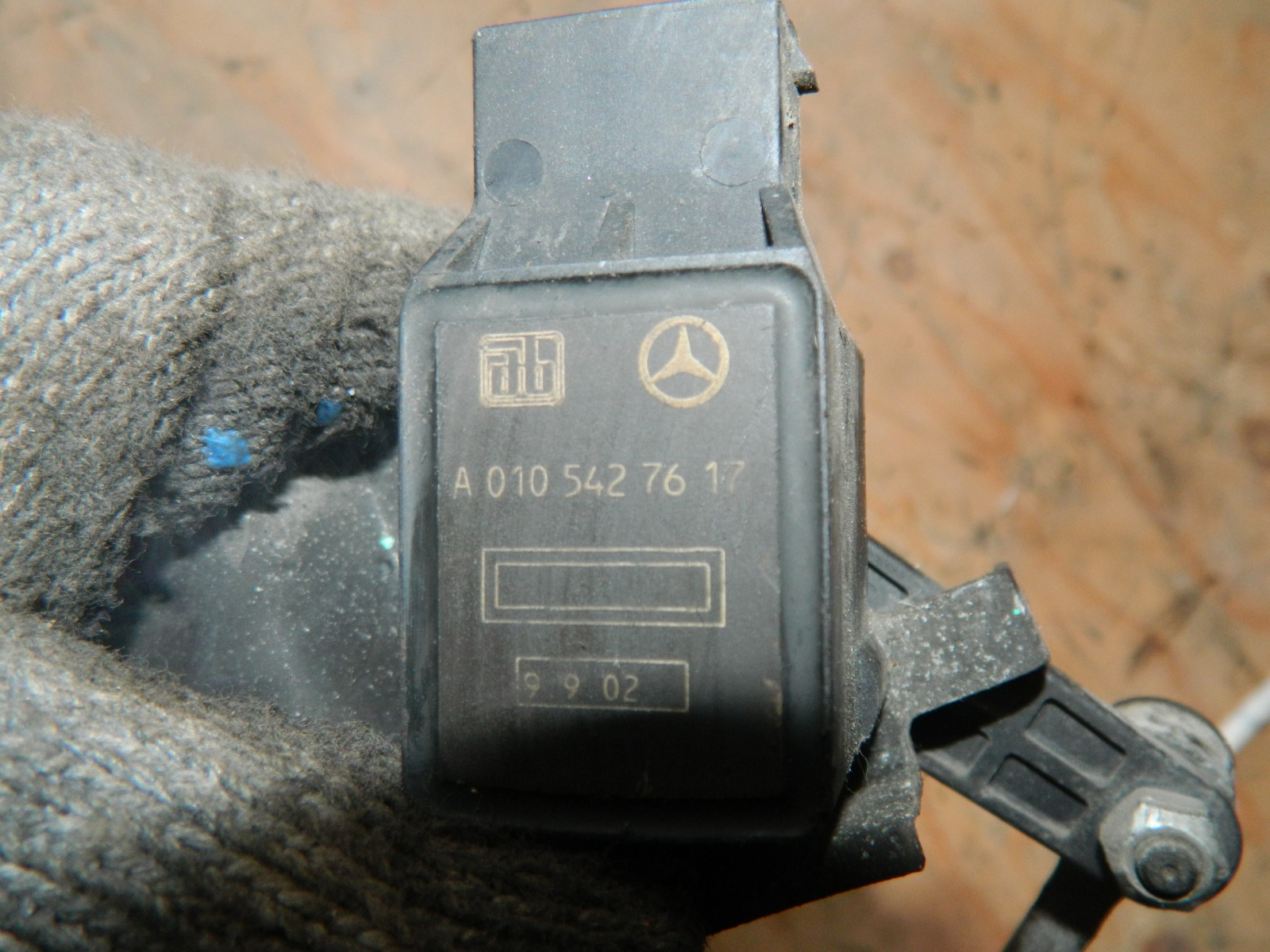 Датчик уровня Mercedes-Benz S500 W220 (б/у)