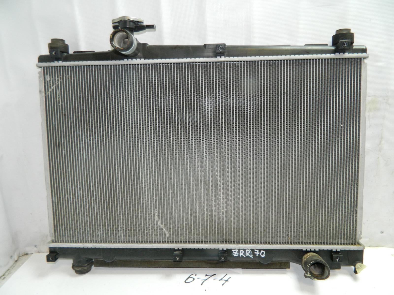 Радиатор двс Toyota Noah ZRR70 (б/у)