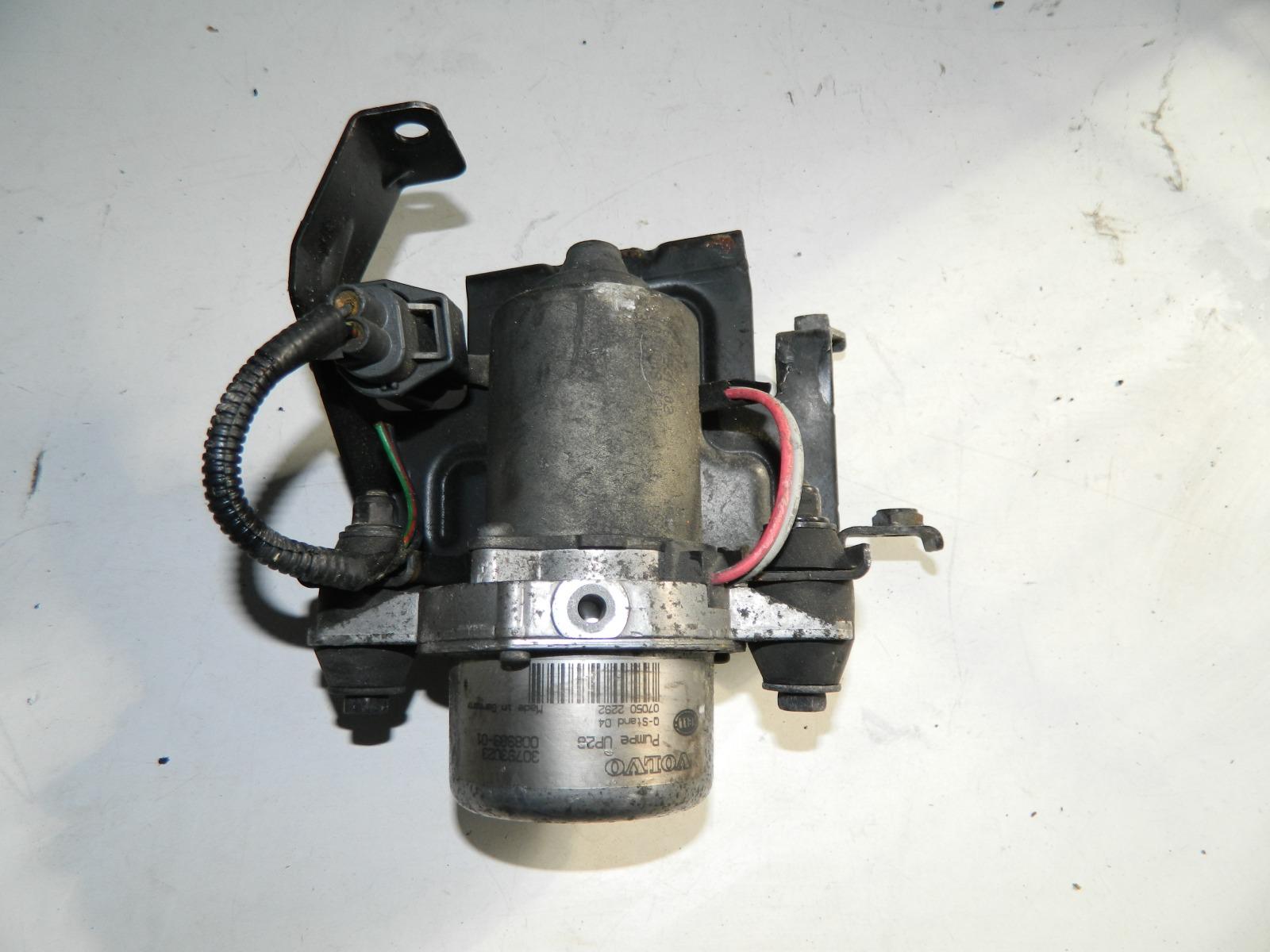 Электро вакуумный насос тормозной системы Volvo V50 B5244S (б/у)