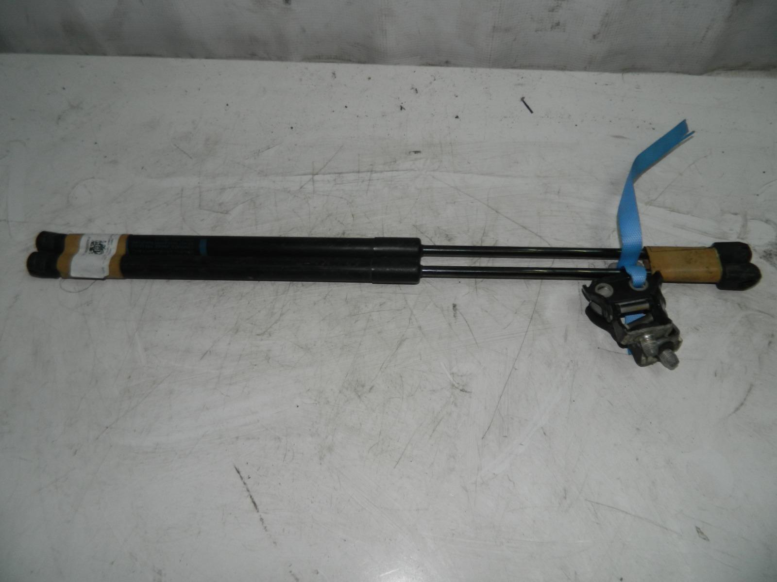 Амортизатор багажника Mazda Axela BKEP (б/у)