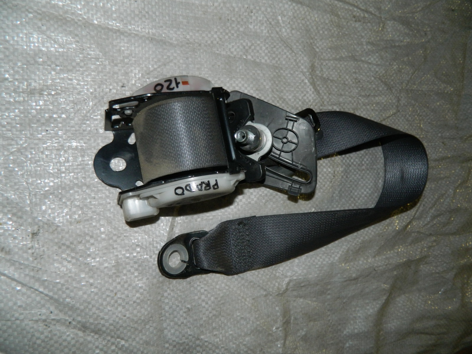 Ремень безопасности Toyota Land Cruiser J120 (б/у)