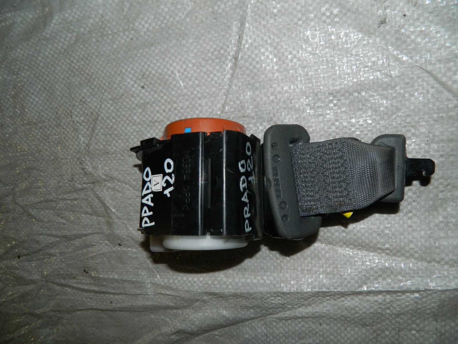 Ремень безопасности Toyota Land Cruiser 120 (б/у)
