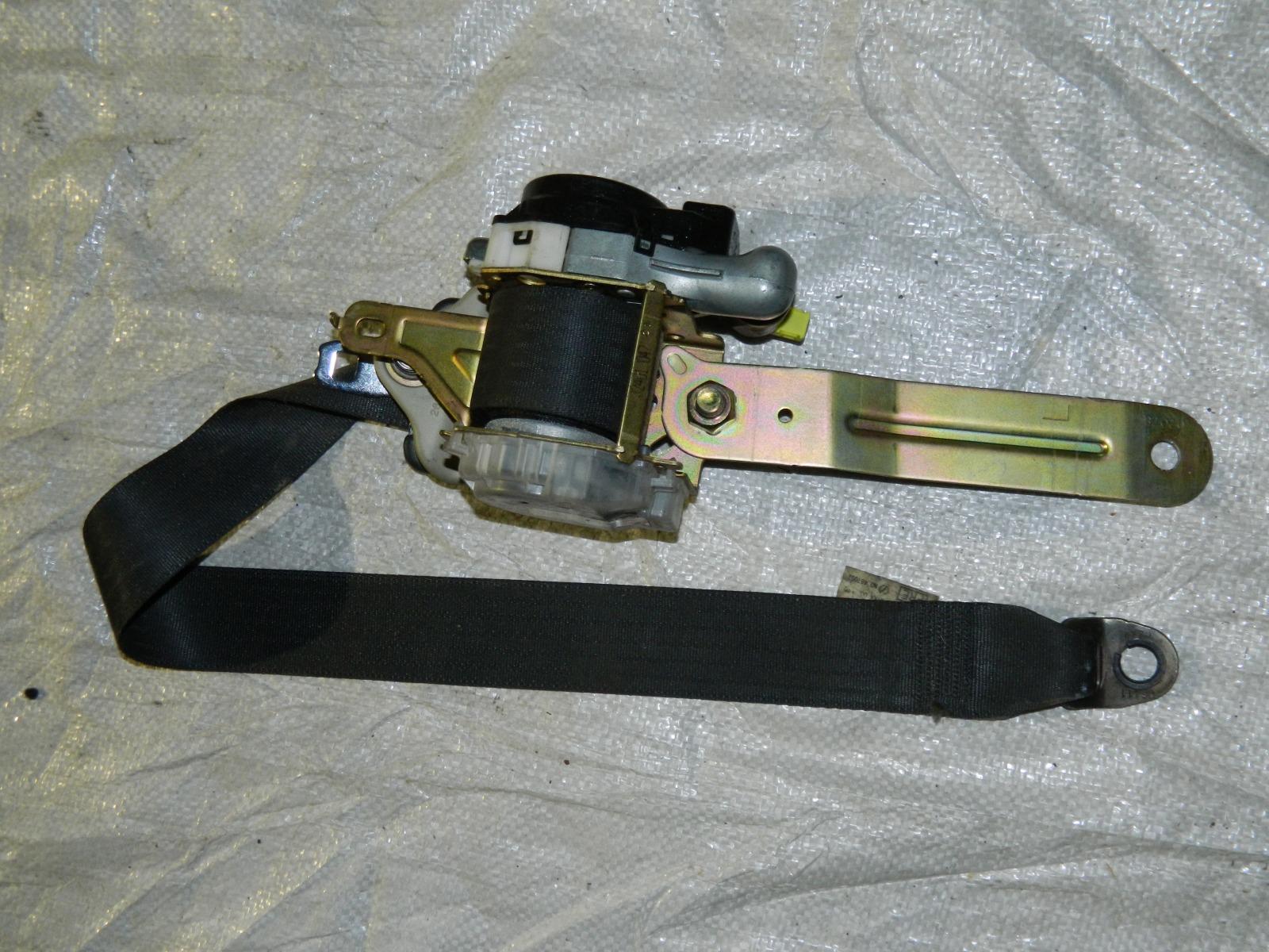 Ремень безопасности Nissan Skyline PV35 (б/у)
