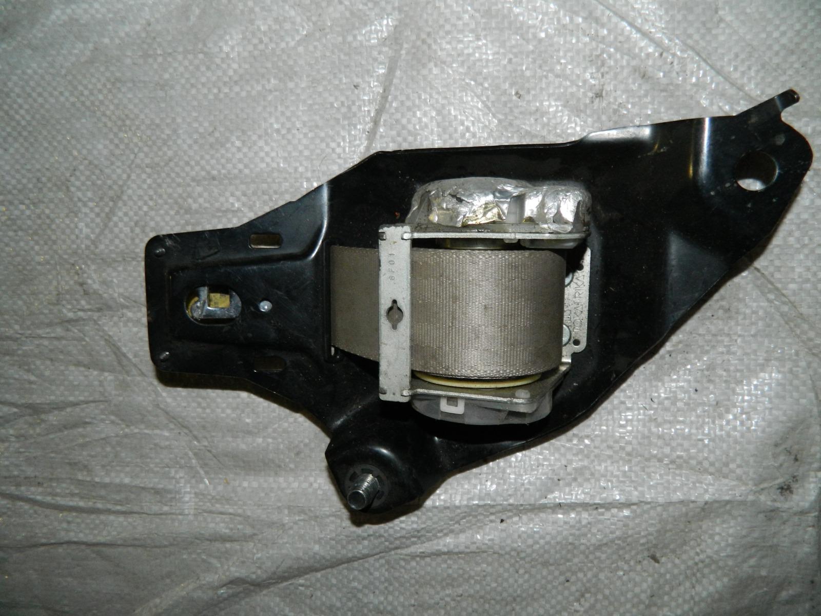 Ремень безопасности Toyota Rav4 ACA30 (б/у)