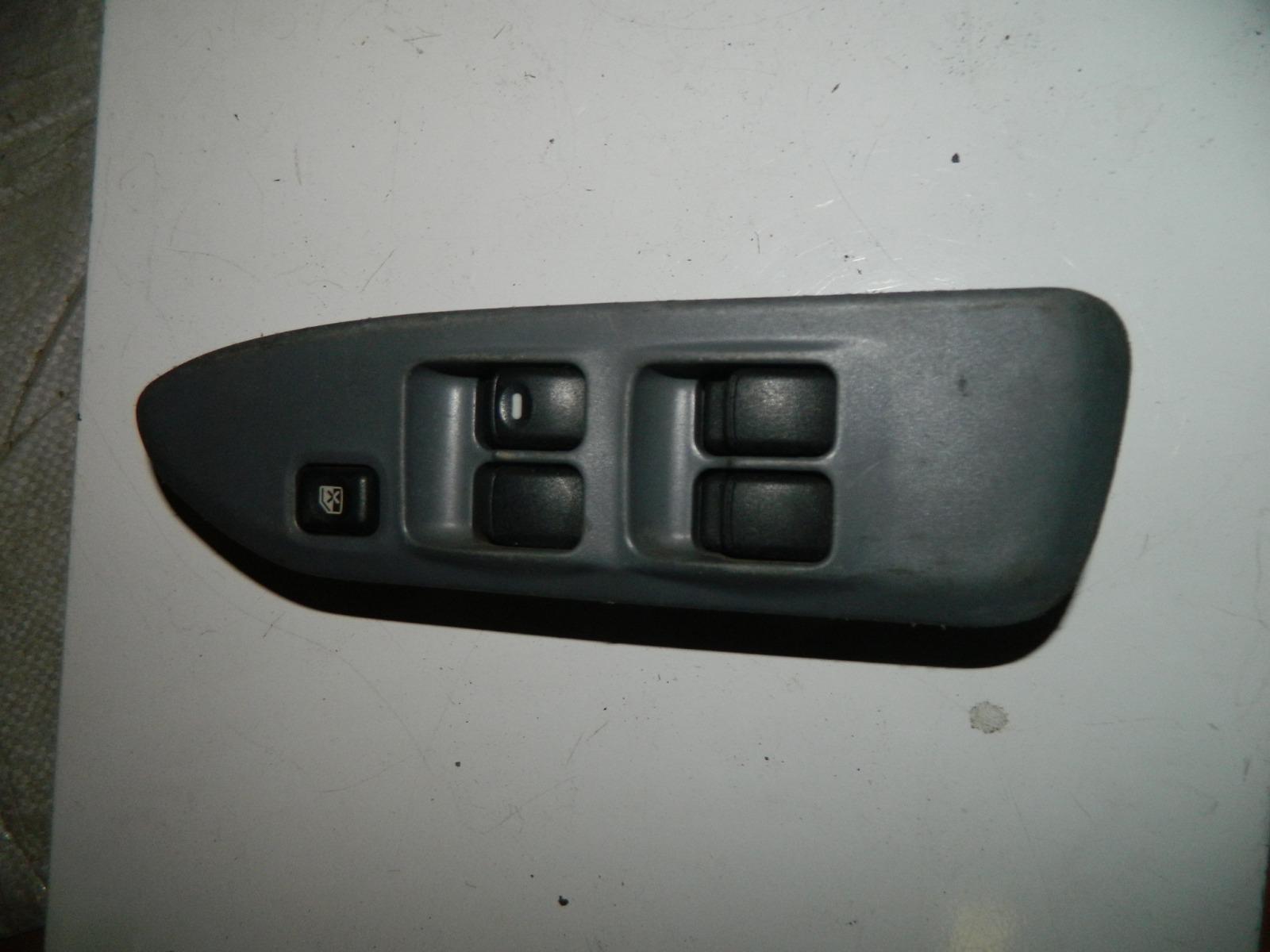 Блок управления стеклами Mitsubishi Lancer Cedia CS2A 4G15 2000 передний правый (б/у)