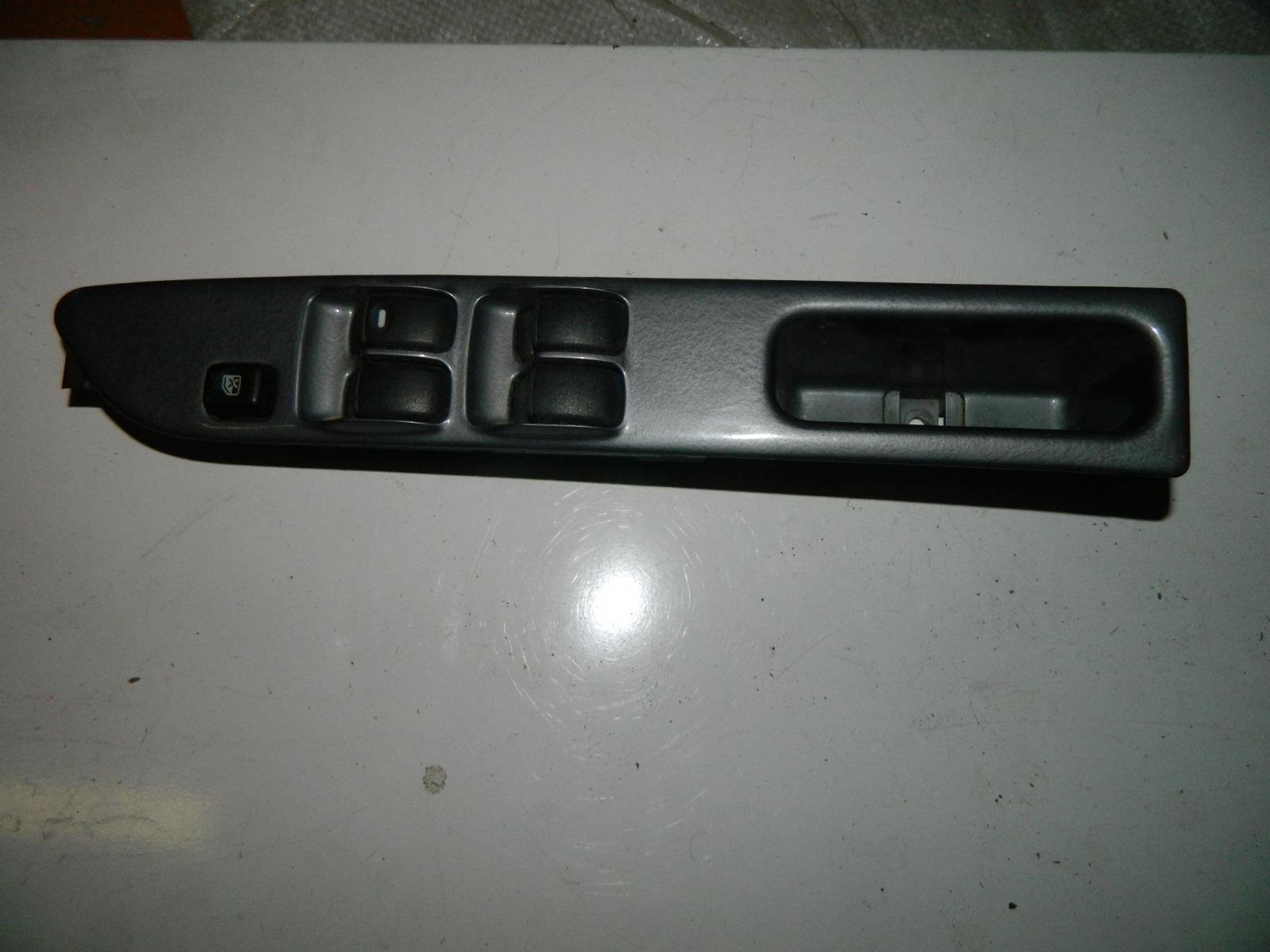 Блок управления стеклами Mitsubishi Dingo CQ2A 4G15 2001 передний правый (б/у)