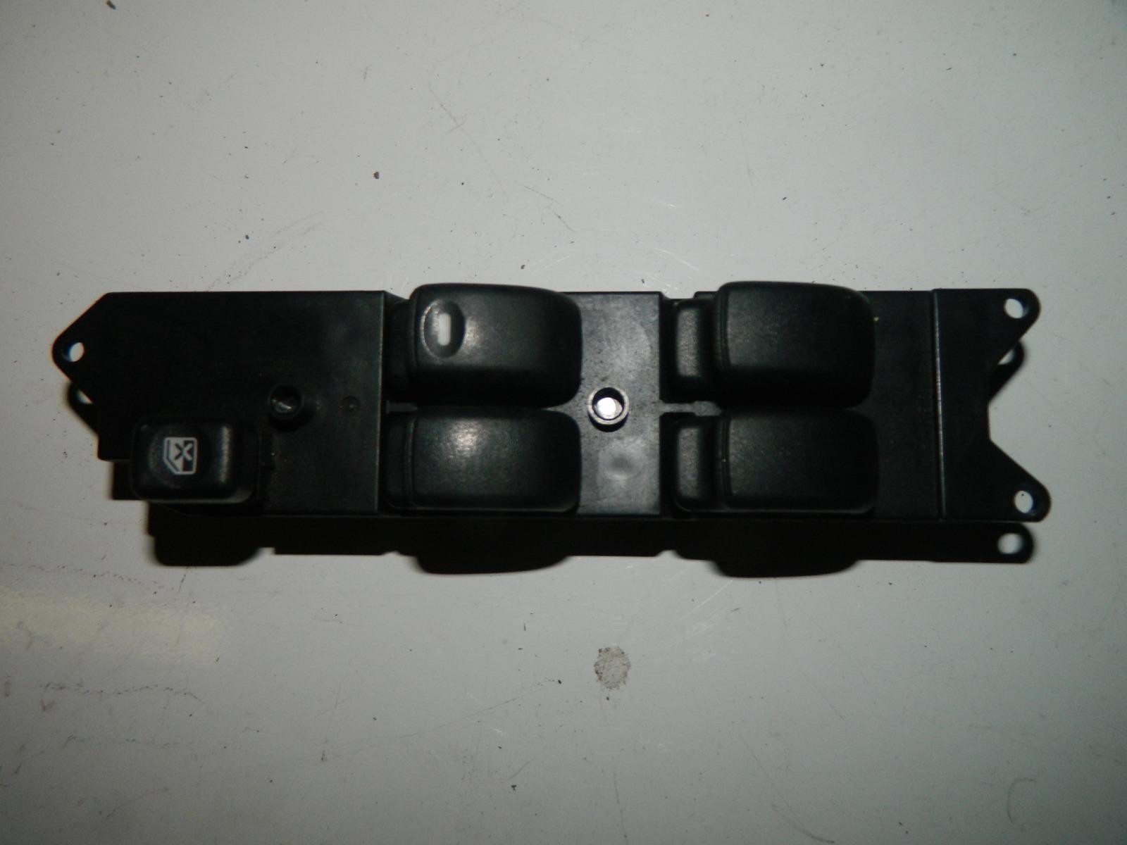Блок управления стеклами Mitsubishi Lancer Cedia CS5W передний правый (б/у)