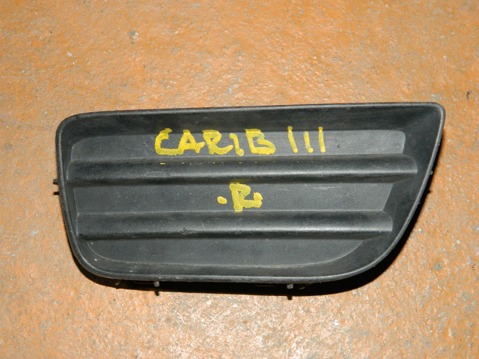 Заглушка противотуманной фары Toyota Carib AE111 правая (б/у)