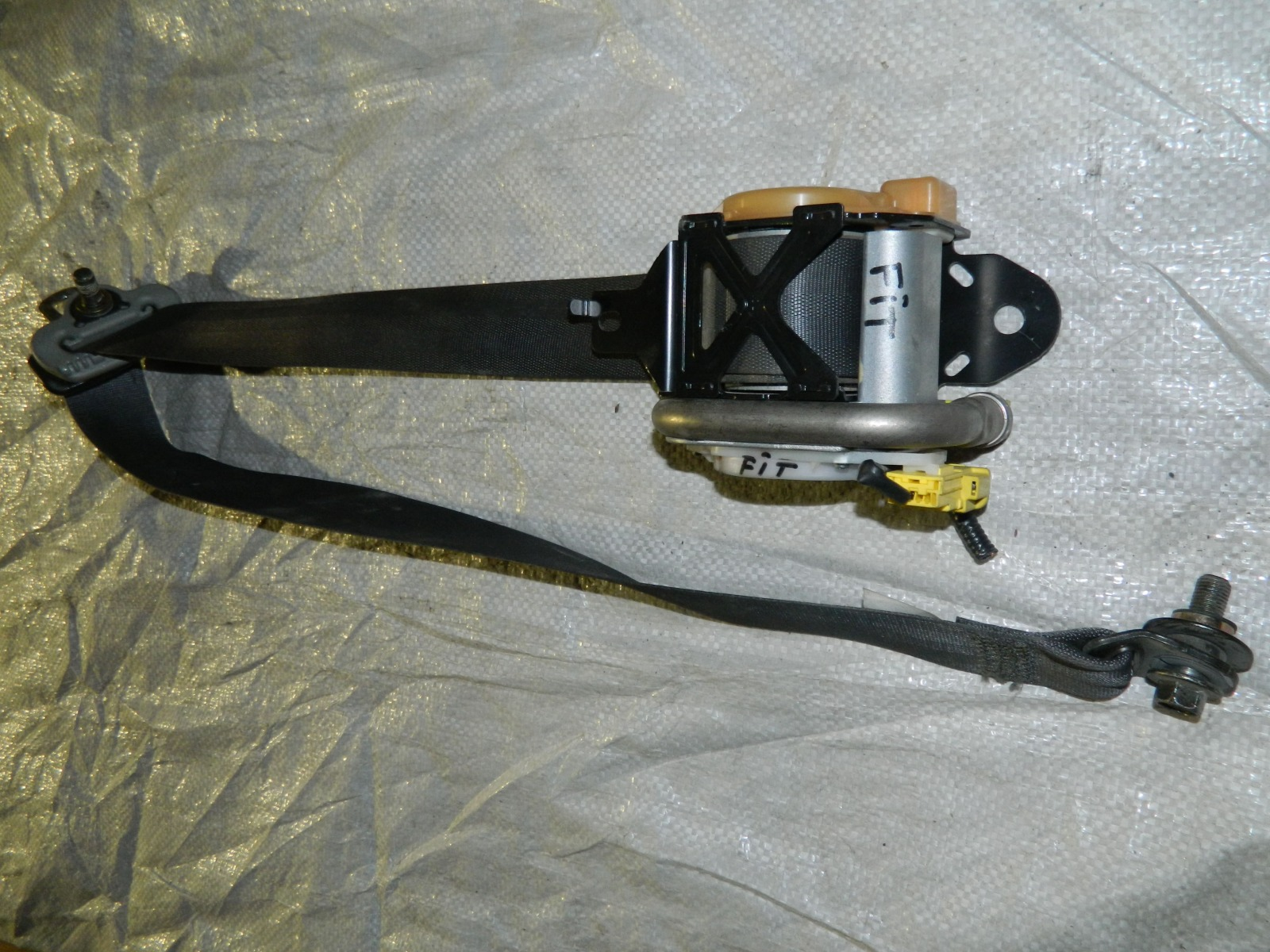 Ремень безопасности Honda Fit (б/у)