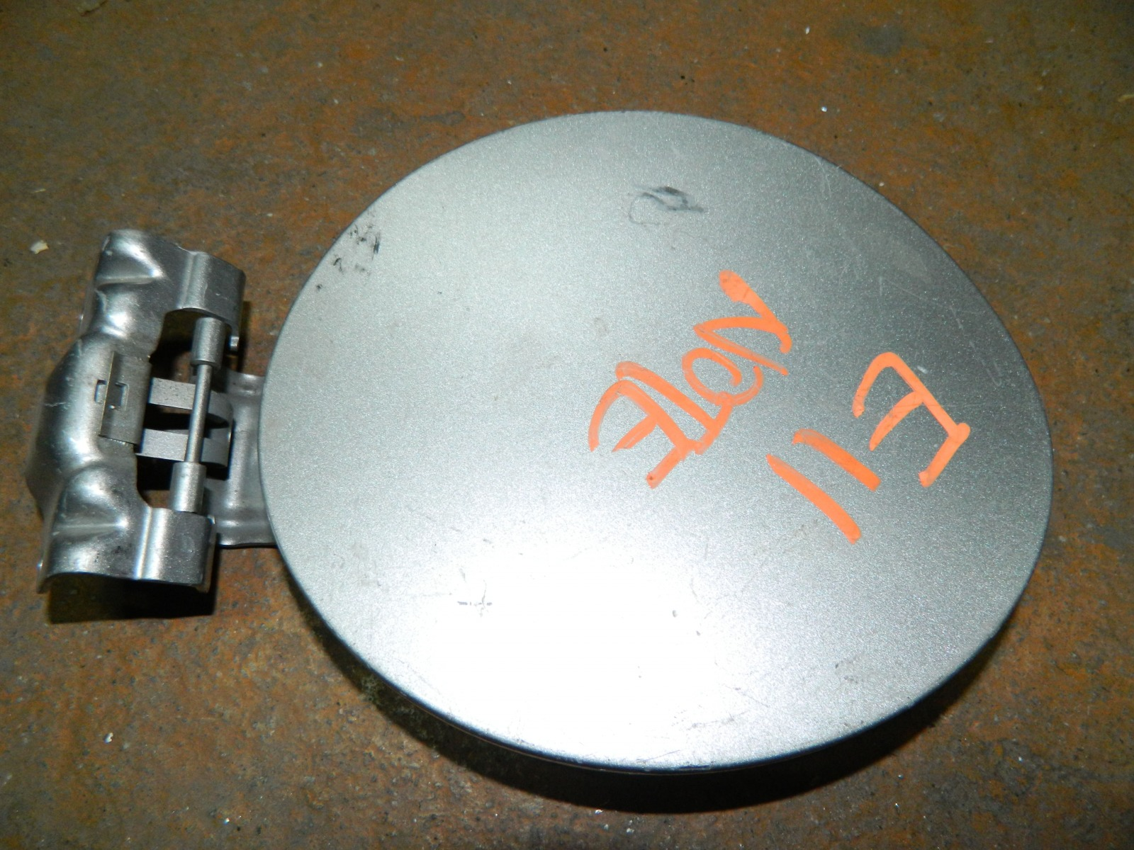 Лючок бензобака Nissan Note E11 (б/у)