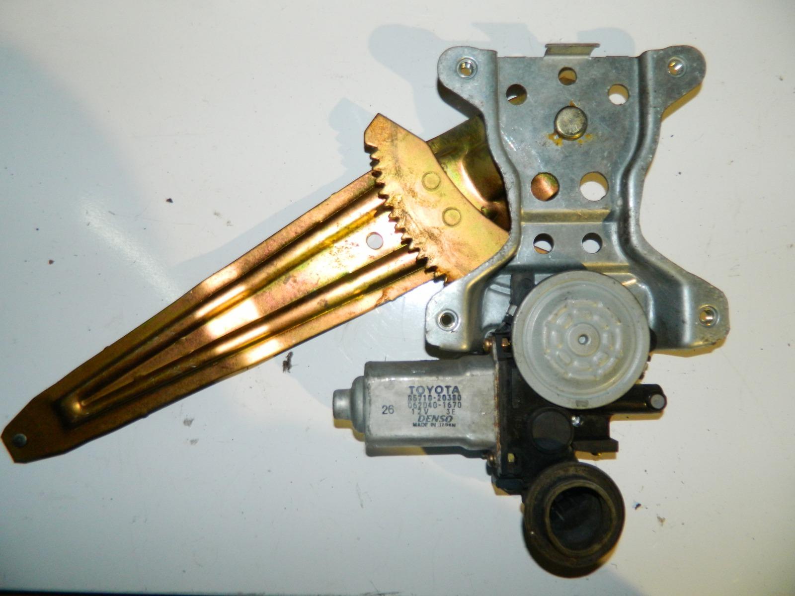 Механизм стекло-подъёмника. Toyota Corona Premio ZZT240 задний левый (б/у)
