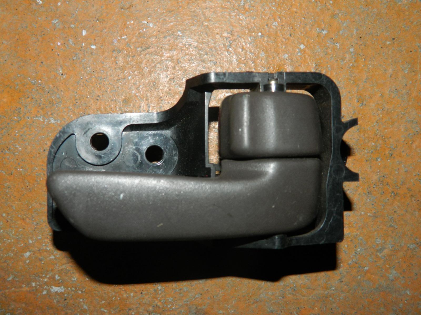 Ручка двери внутренняя Toyota Corona ST190 задняя правая (б/у)