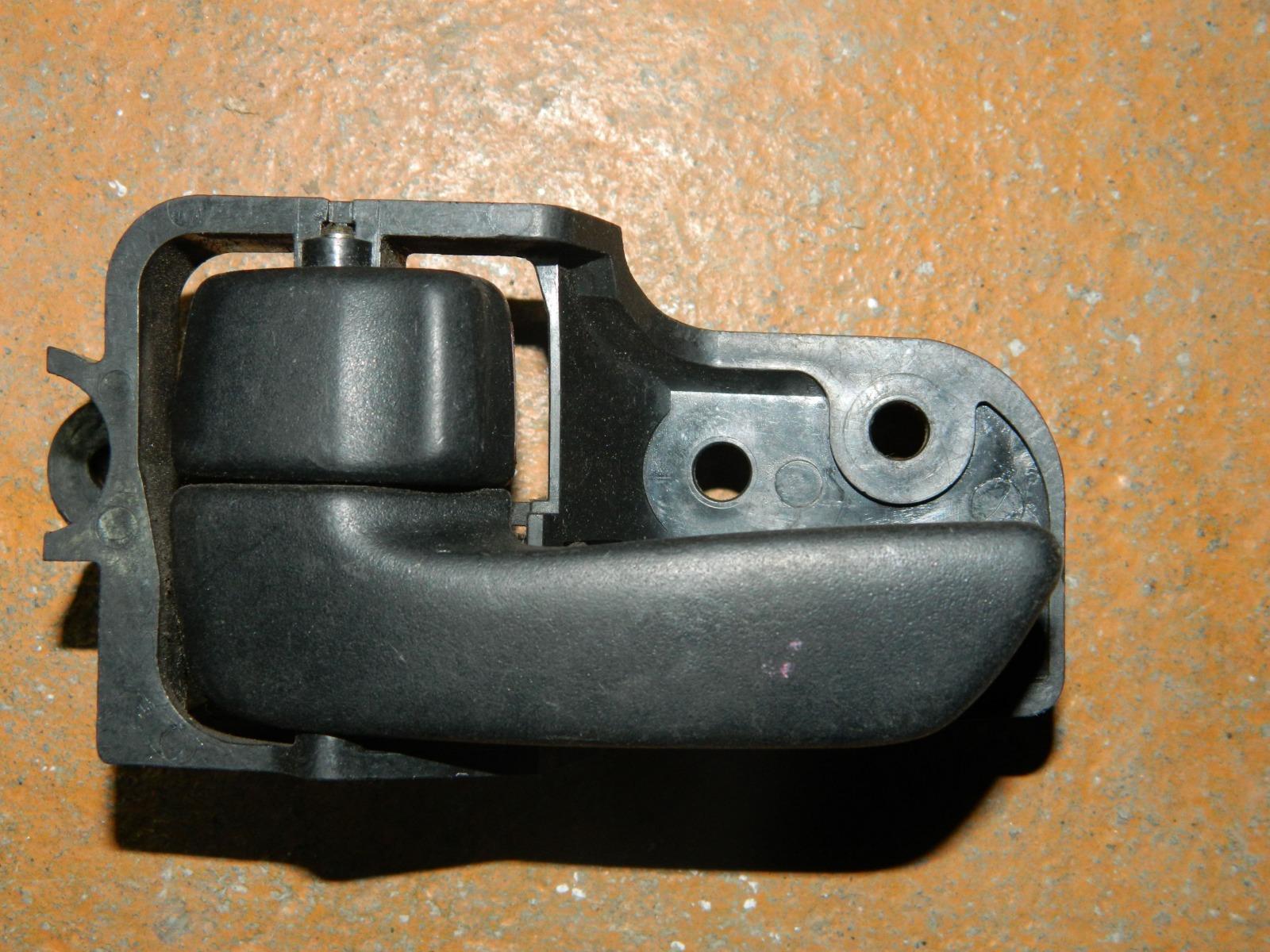 Ручка двери внутренняя Toyota Corona AT190 передняя левая (б/у)