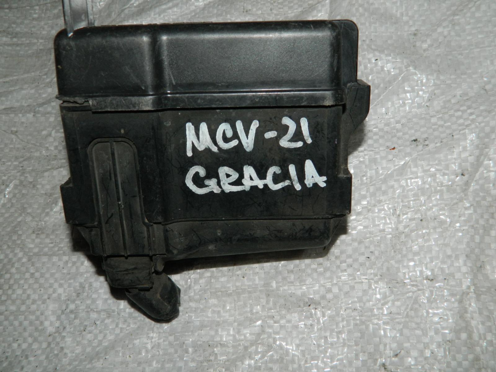 Блок предохранителей Toyota Camry Gracia MCV21 2MZFE (б/у)