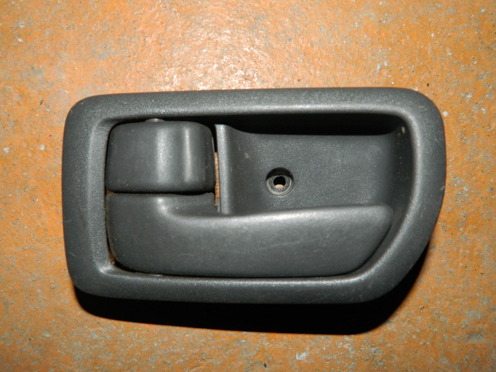 Ручка двери внутренняя Toyota Corona Premio ST210 передняя левая (б/у)