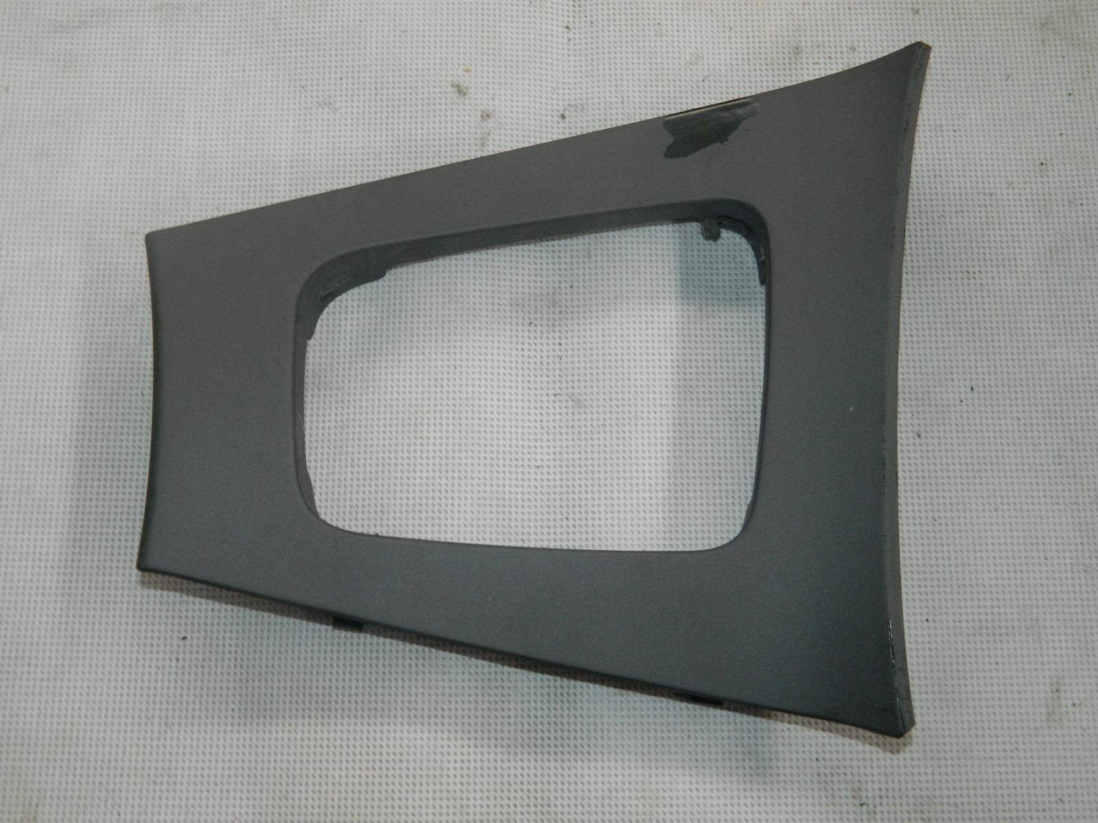 Накладка Volvo S60 левая (б/у)
