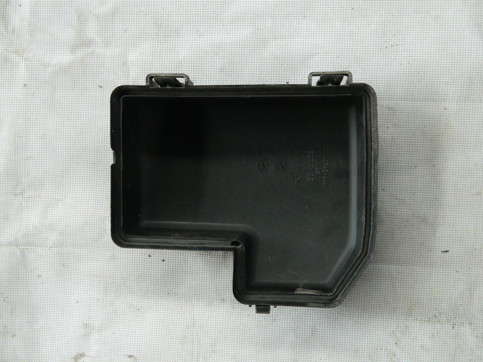 Крышка блока предохранителей Volvo S60 (б/у)