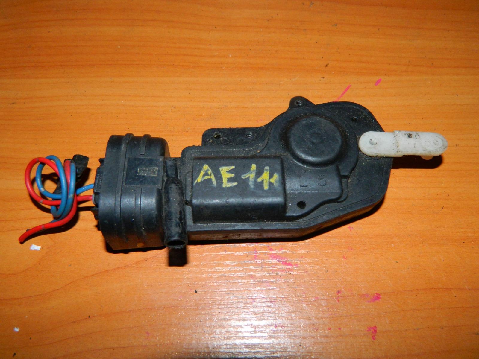 Активатор замка багажника Toyota Corolla Spacio AE111 (б/у)