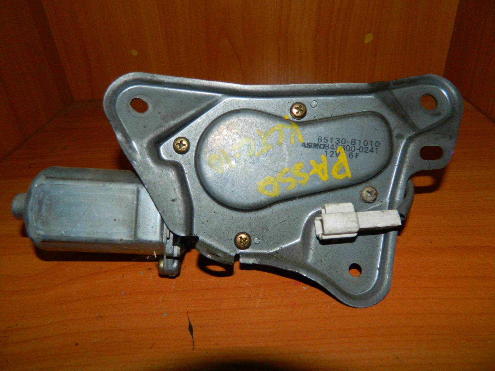 Мотор дворников Toyota Passo KGC10 задний (б/у)