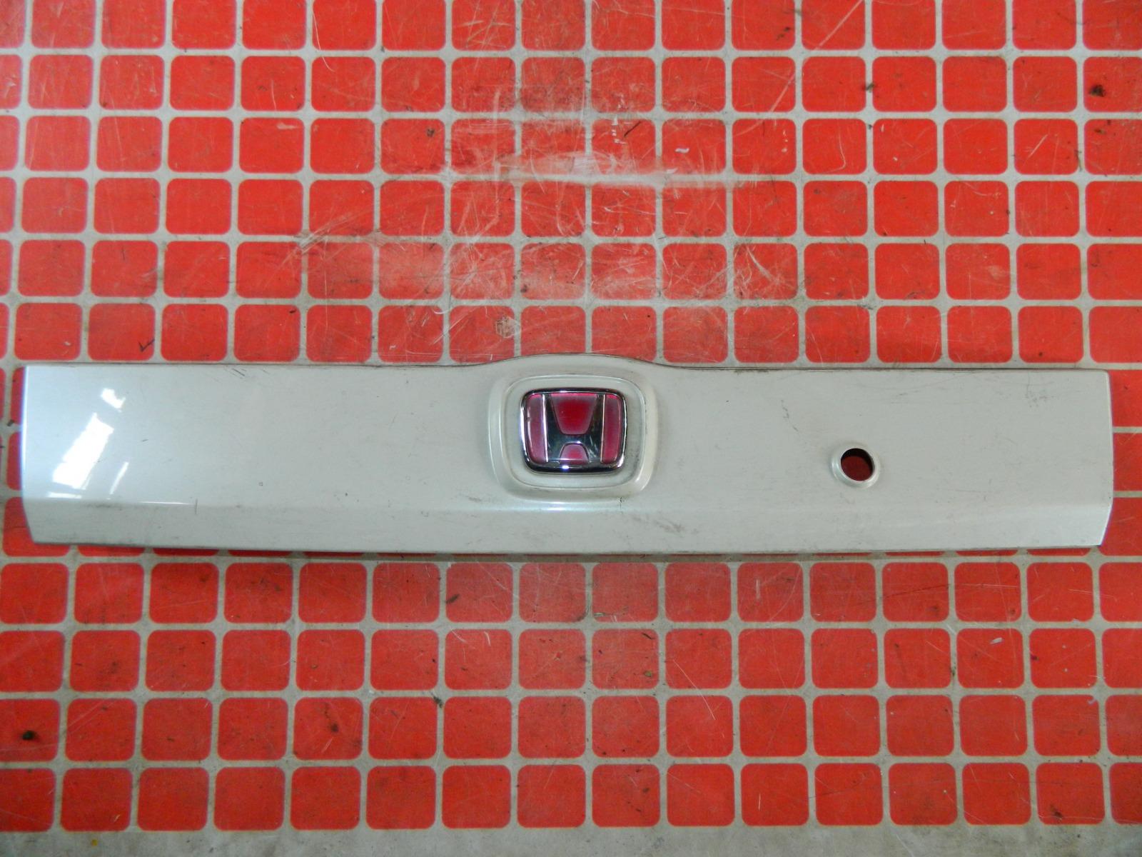 Накладка двери багажника Honda Fit GE (б/у)