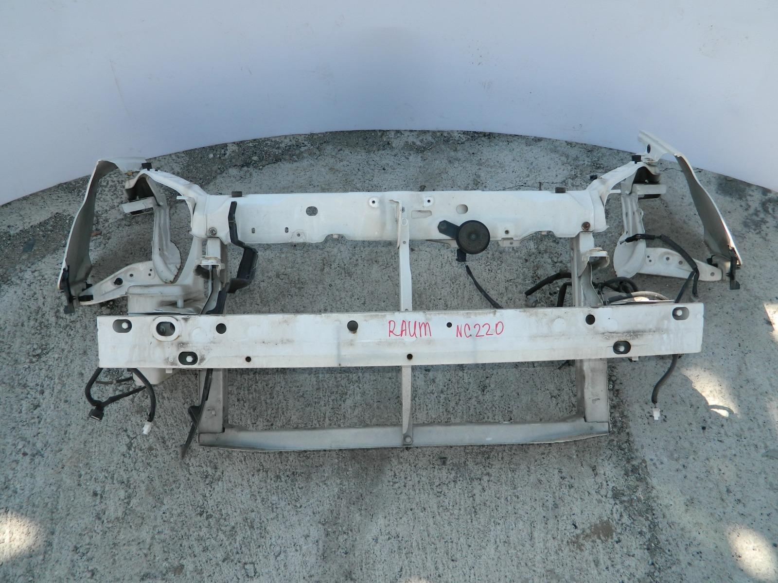 Рамка радиатора Toyota Raum NCZ20 (б/у)