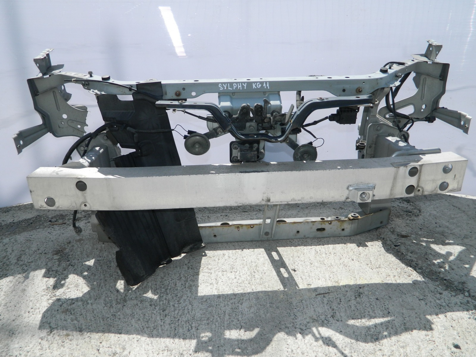Рамка радиатора Nissan Bluebird Sylphy KG11 (б/у)