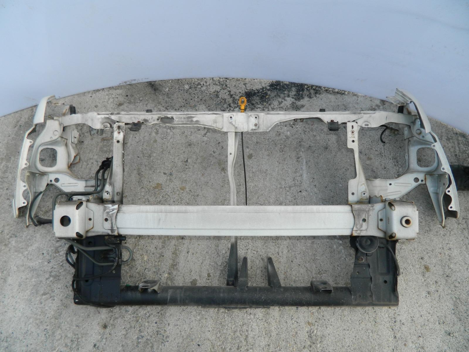 Рамка радиатора Honda Stepwagon RF5 (б/у)
