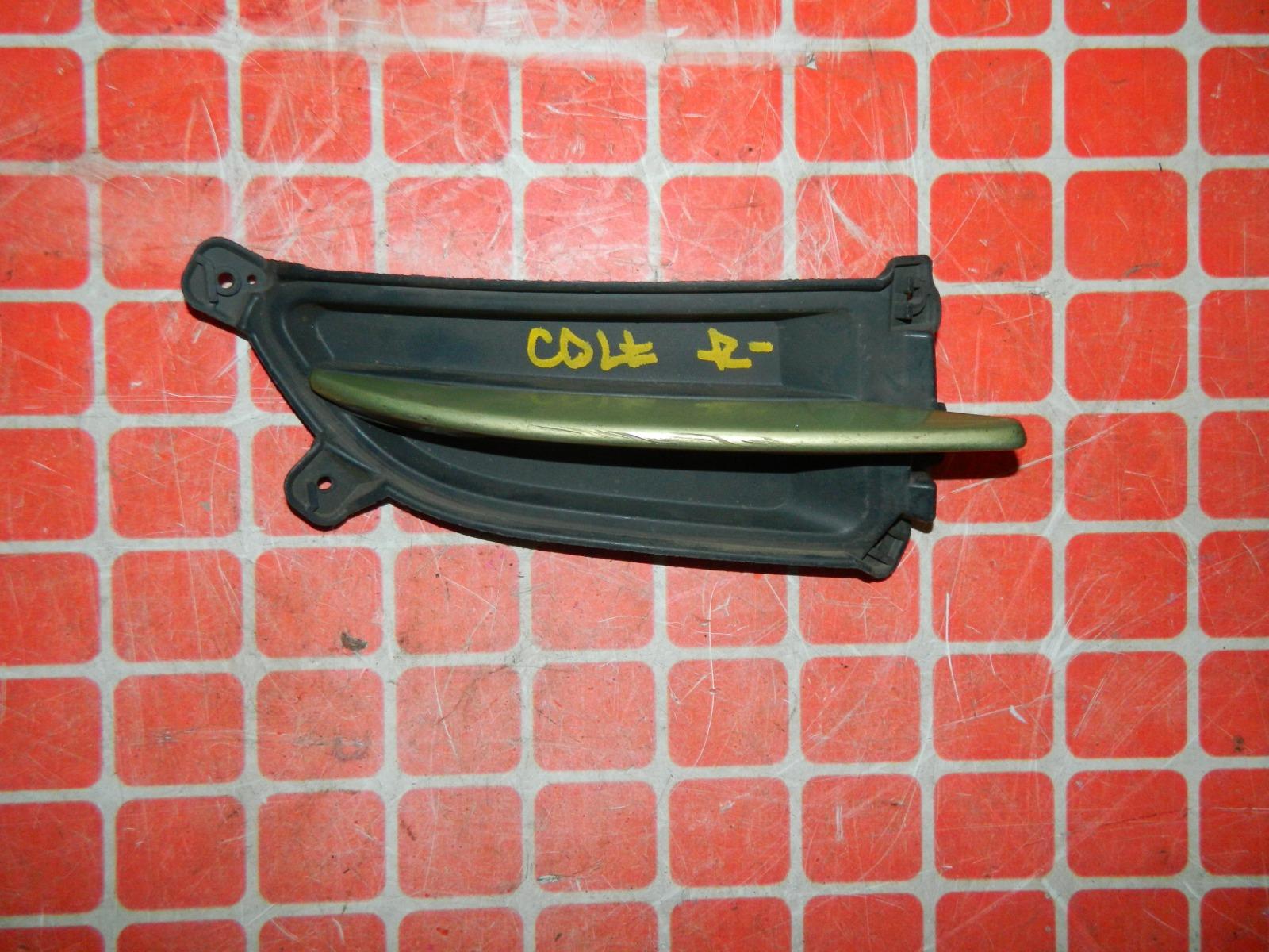 Заглушка противотуманной фары Mitsubishi Colt правая (б/у)