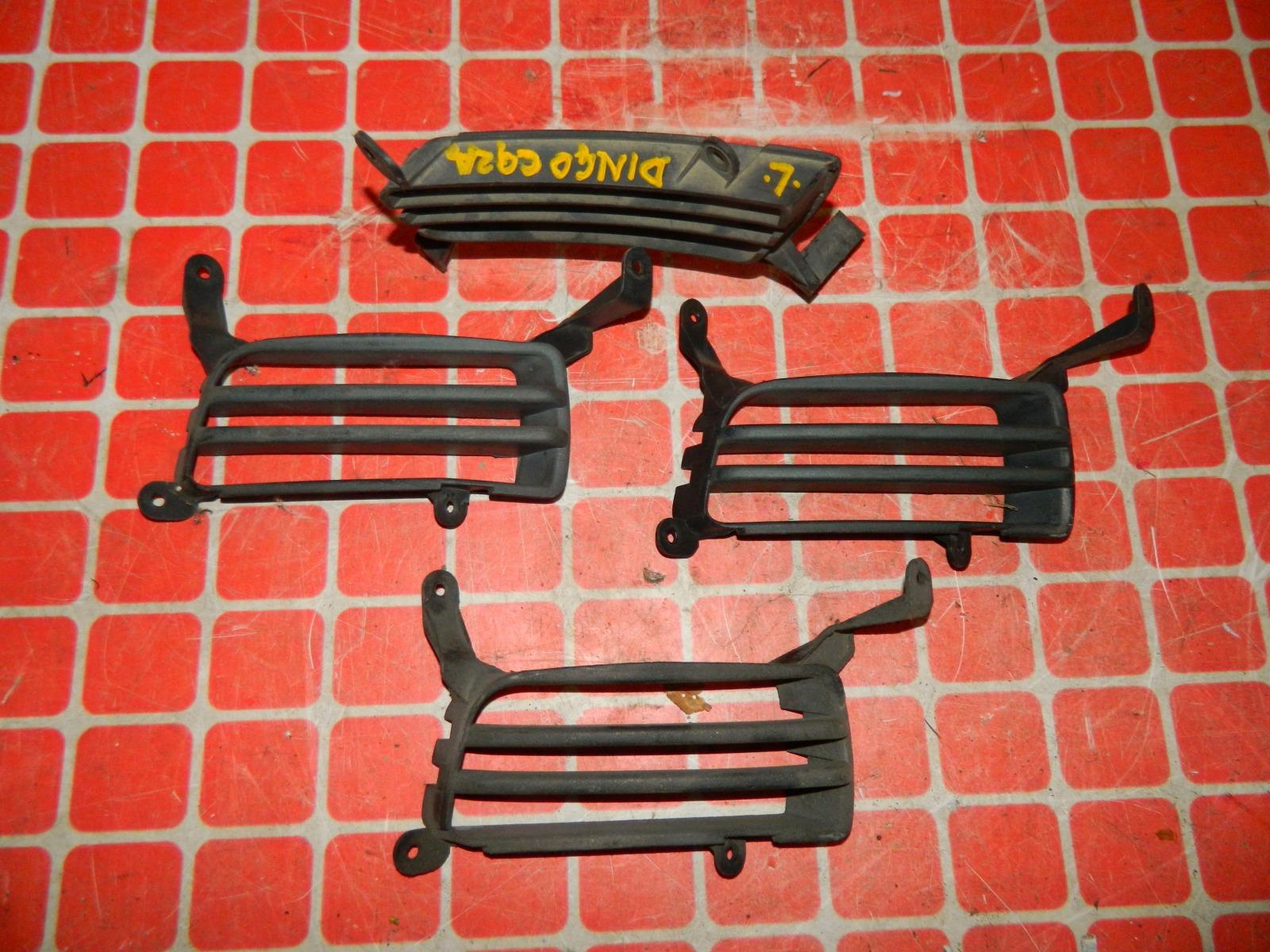 Решетка бампера Mitsubishi Dingo CQ2A передняя левая (б/у)