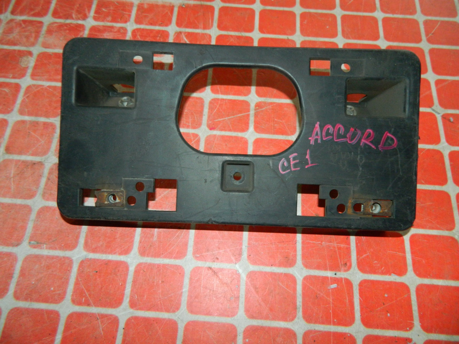 Рамка для номера Honda Accord CE1 (б/у)