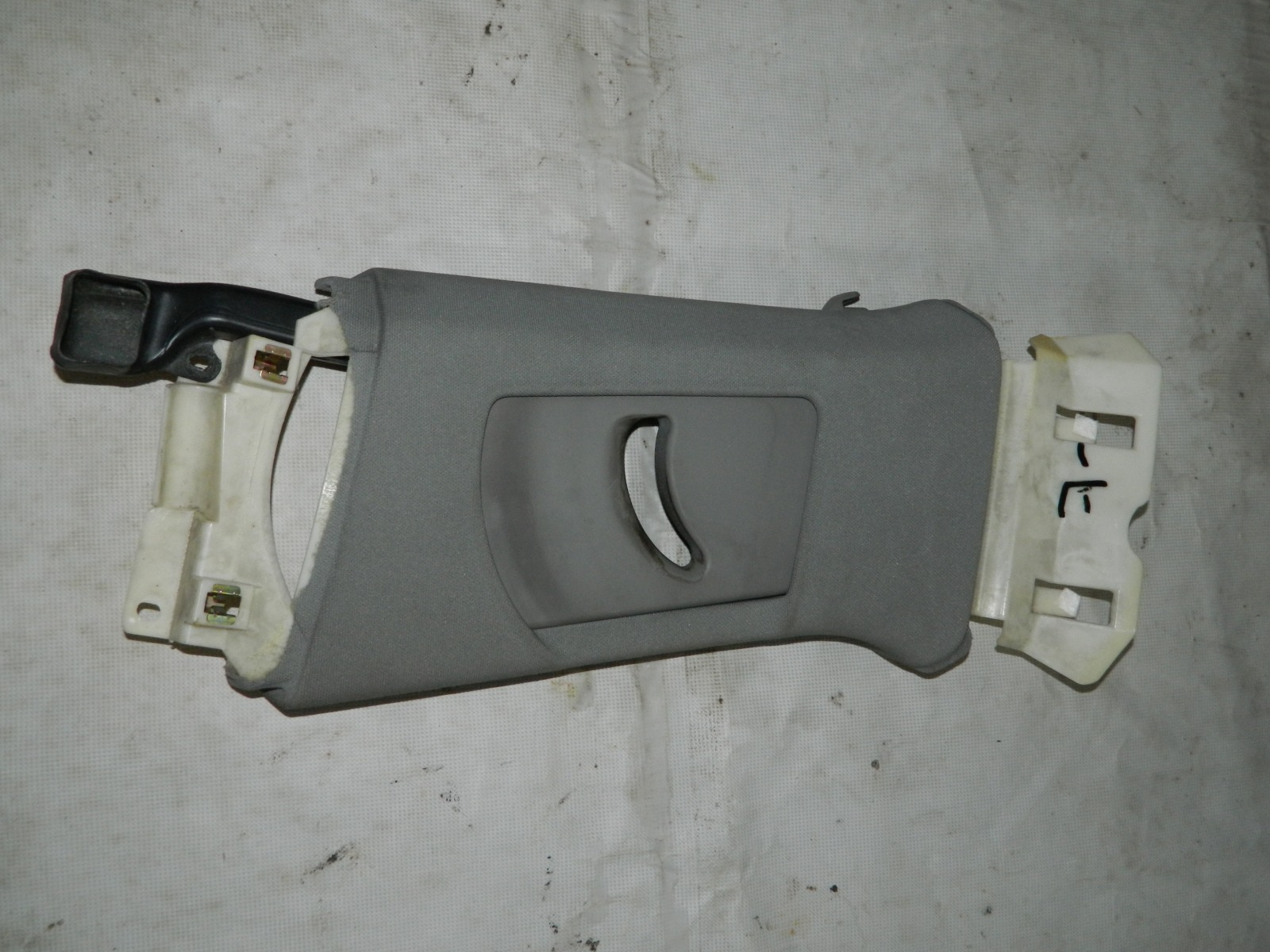 Накладка стойки Audi A8 левая (б/у)