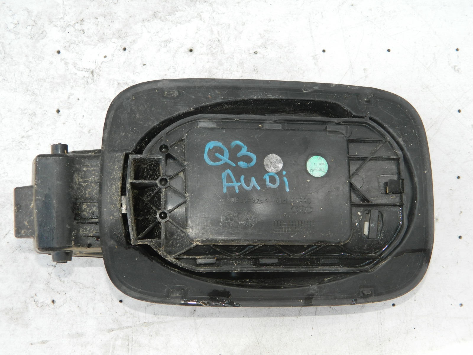 Лючок бензобака Audi Q3 8UB (б/у)