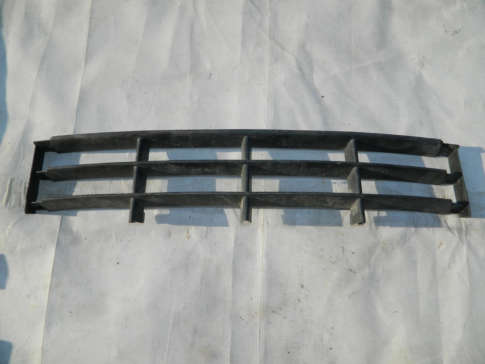 Решетка бампера центральная Skoda Fabia 542 (б/у)