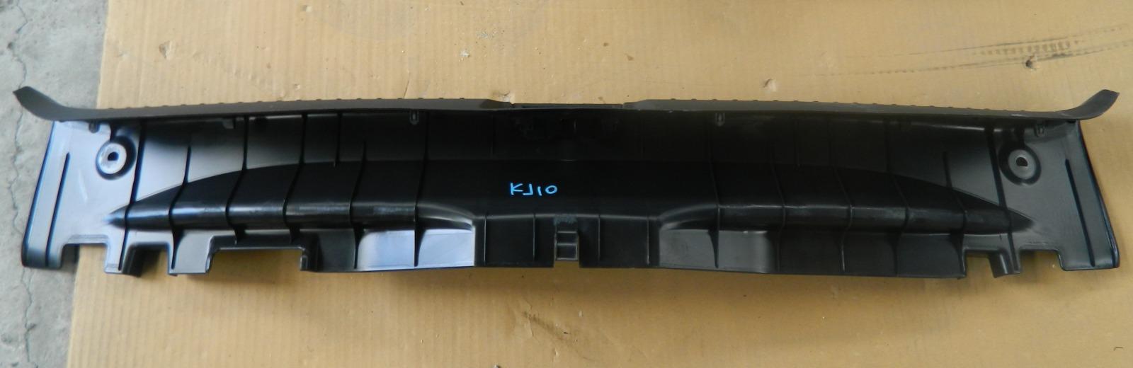 Накладка на порог багажника Nissan Dualis KJ10 MR20DE (б/у)