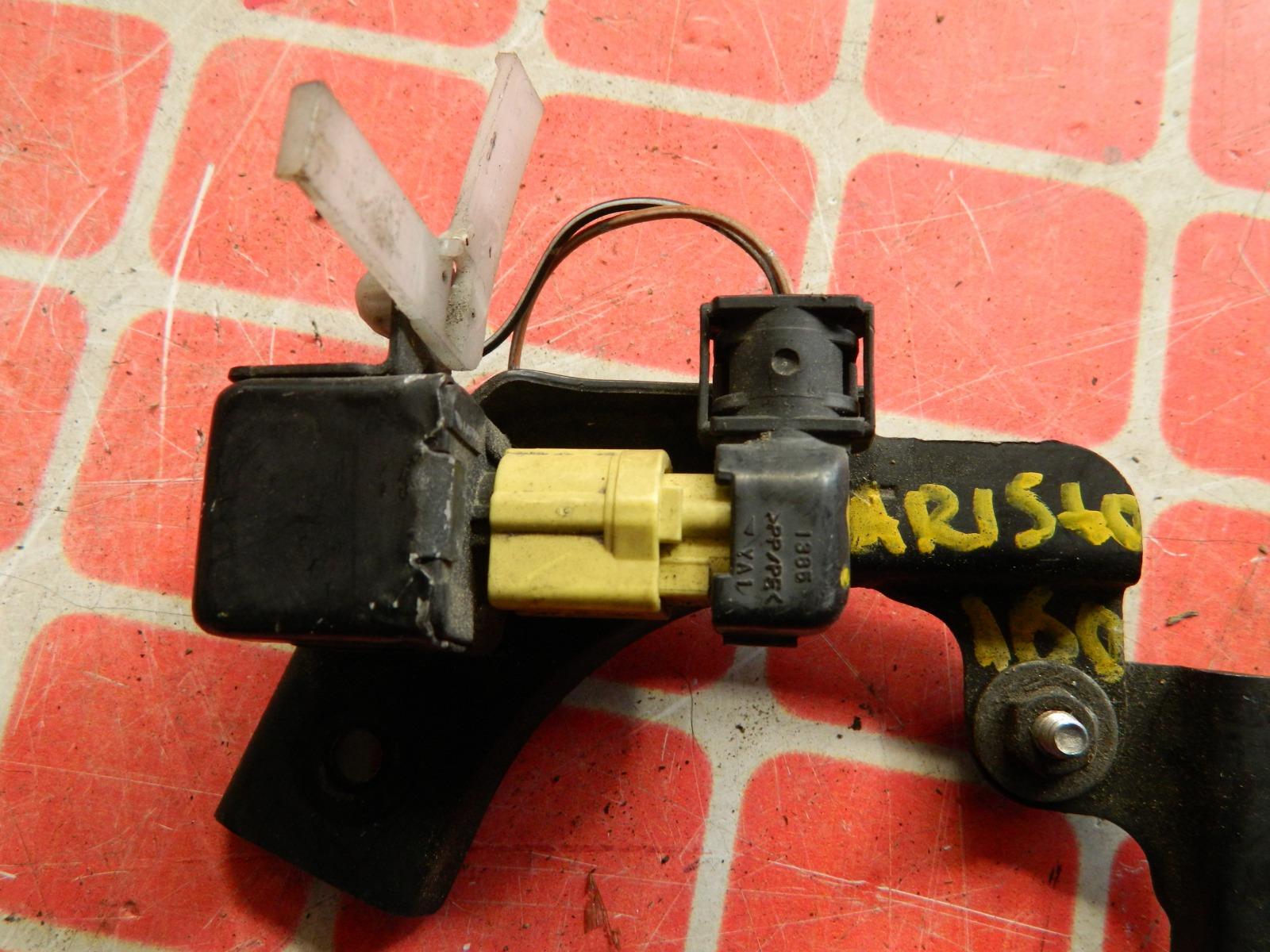 Датчик airbag Toyota Aristo передний правый (б/у)