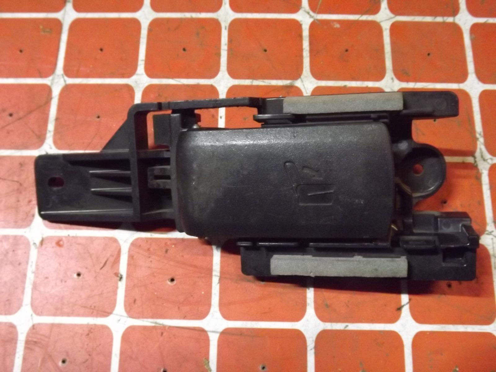 Ручка складывания сиденья Toyota Rav4 ACA30 задняя (б/у)