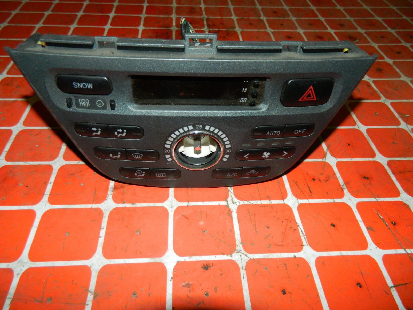 Блок управления климат-контролем Toyota Opa ZCT10 (б/у)