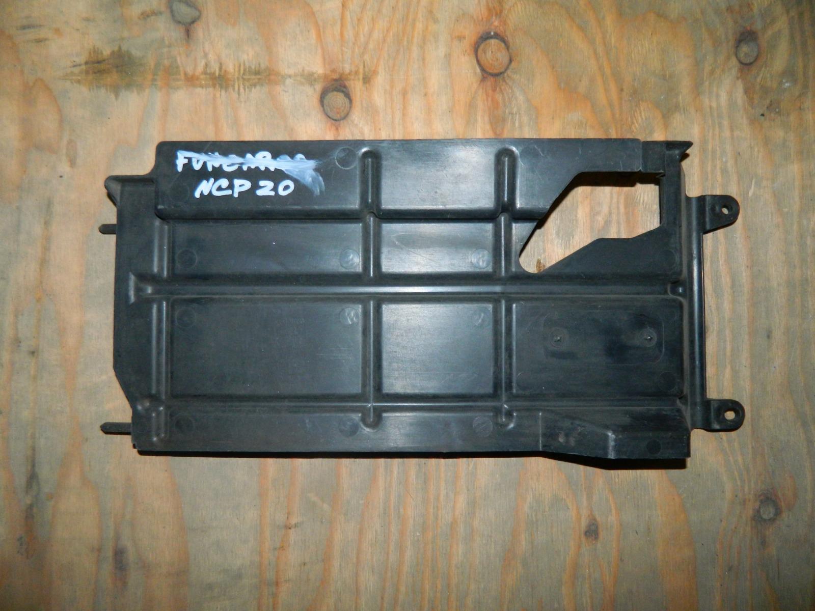 Защита радиатора Toyota Funcargo NCP20 (б/у)