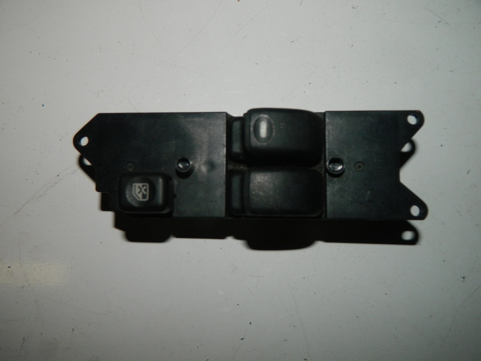 Блок управления стеклоподъемниками Mitsubishi Dingo (б/у)