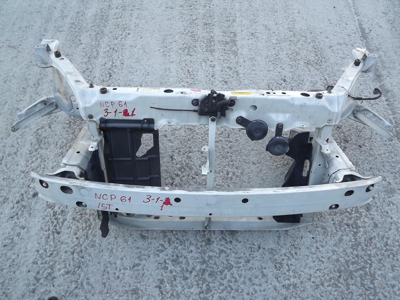 Рамка радиатора Toyota Ist NCP61 (б/у)
