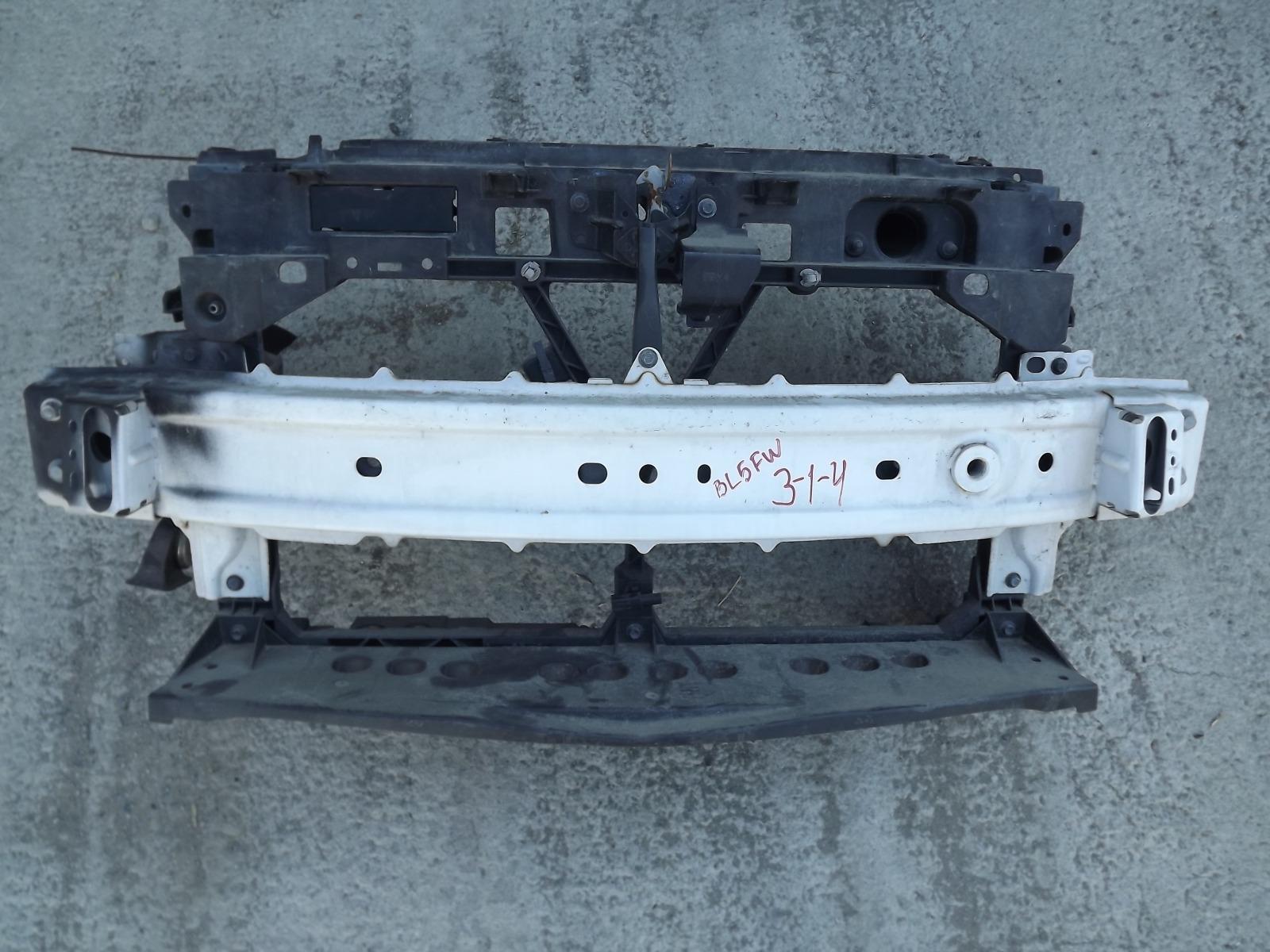 Рамка радиатора Mazda Axela BL5FW (б/у)