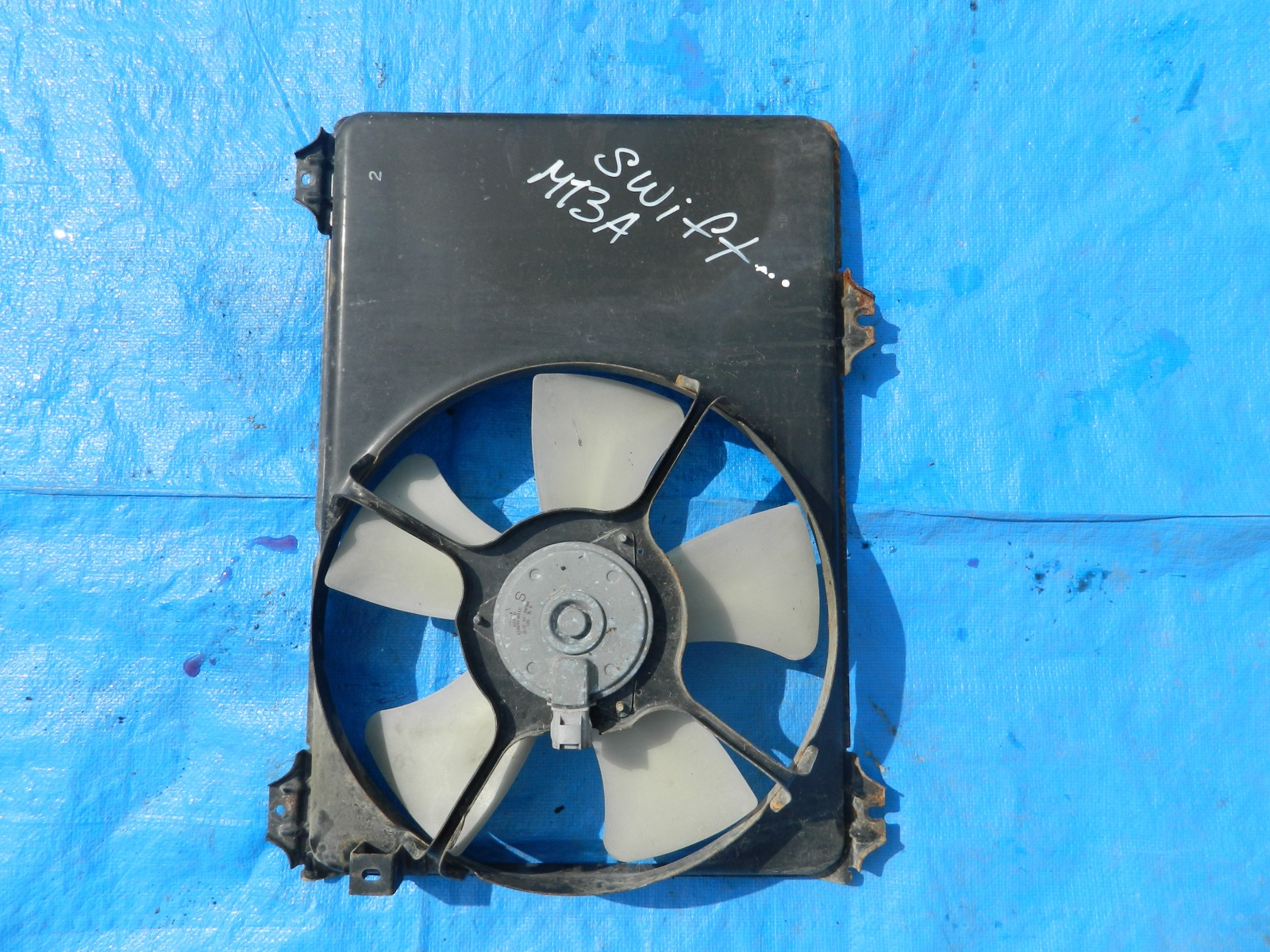 Диффузор радиатора Suzuki Swift ZD11S M13A (б/у)