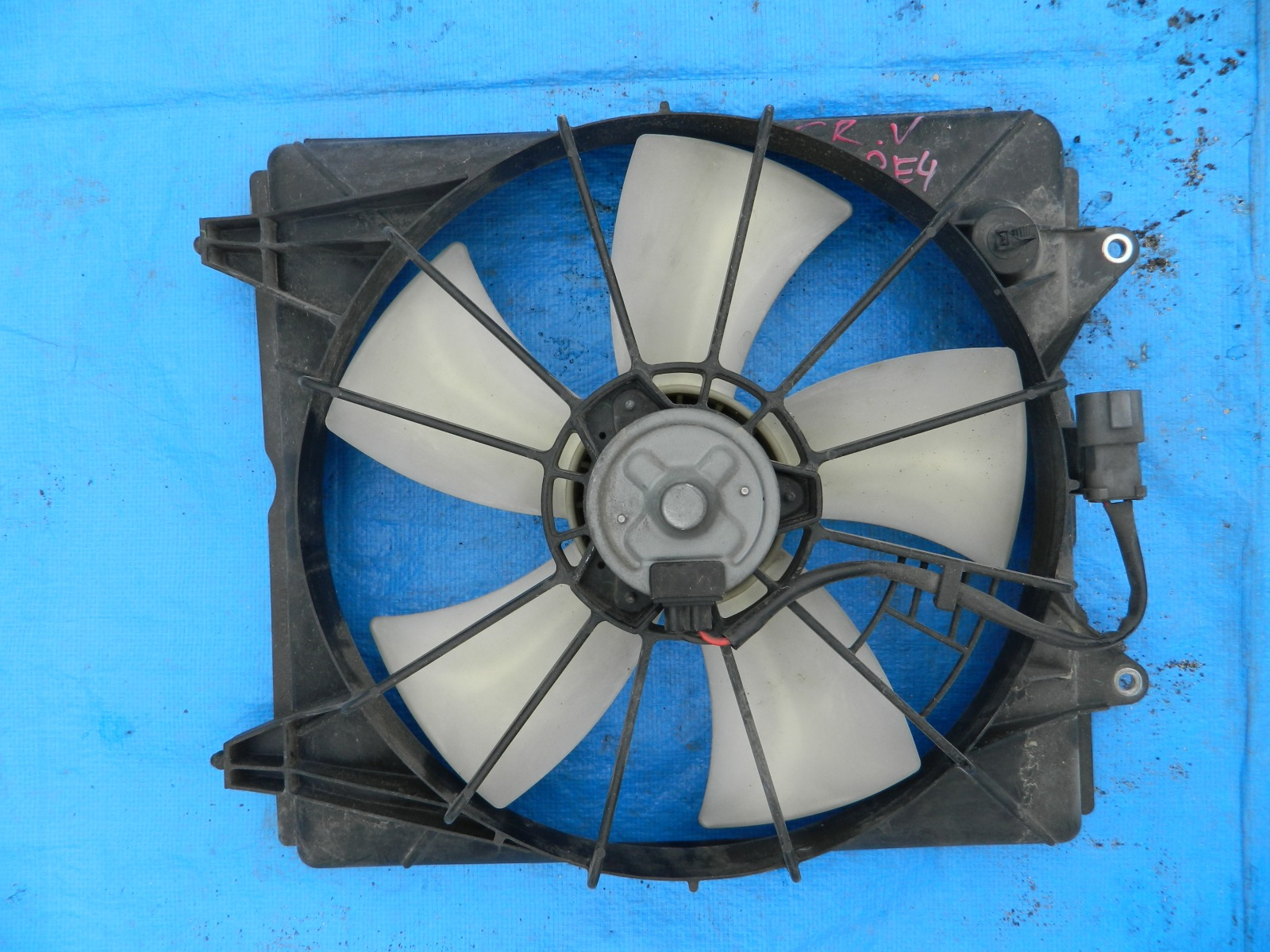 Диффузор радиатора Honda Cr-V RE4 (б/у)