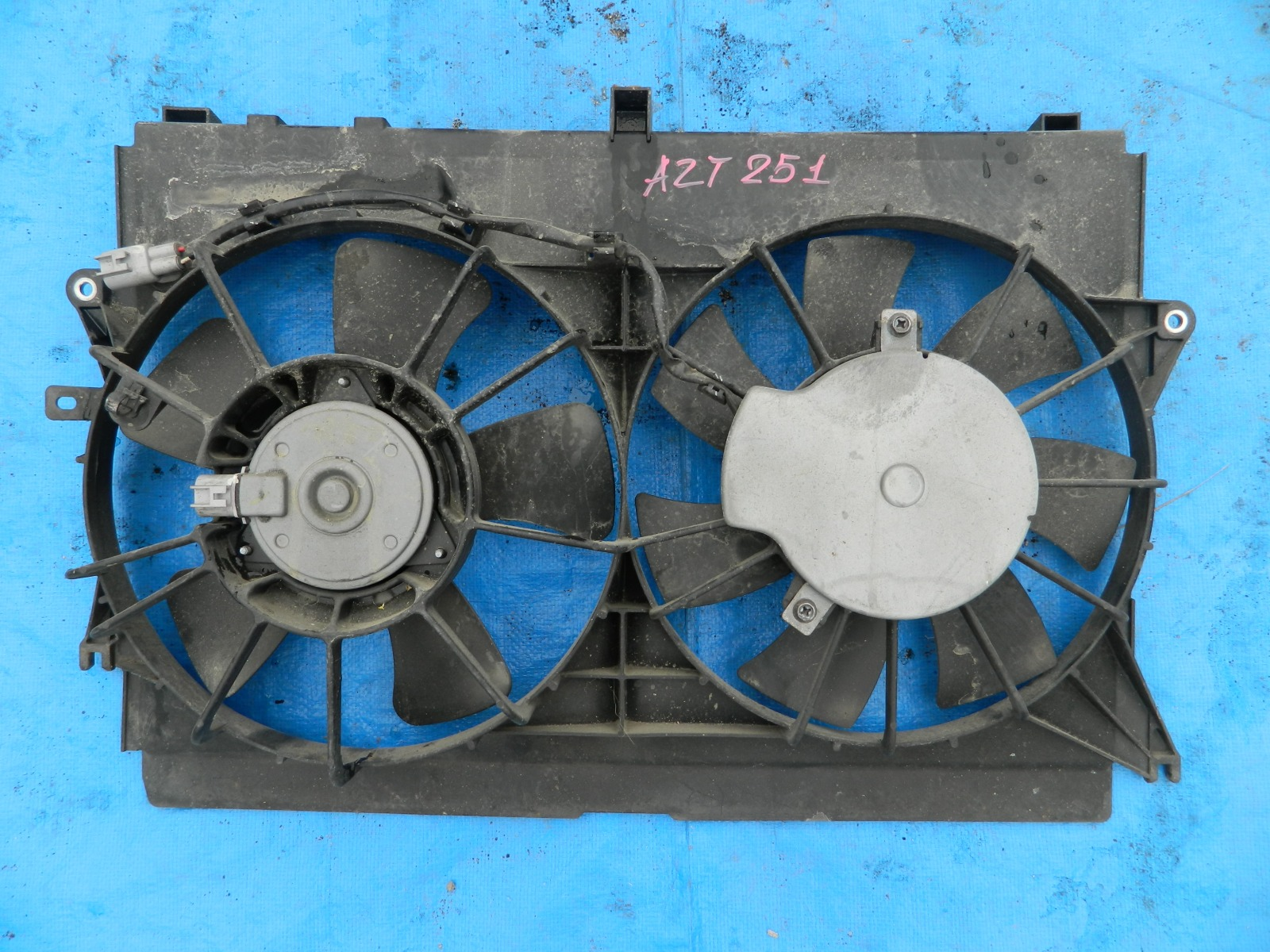 Диффузор радиатора Toyota Avensis AZT251 (б/у)