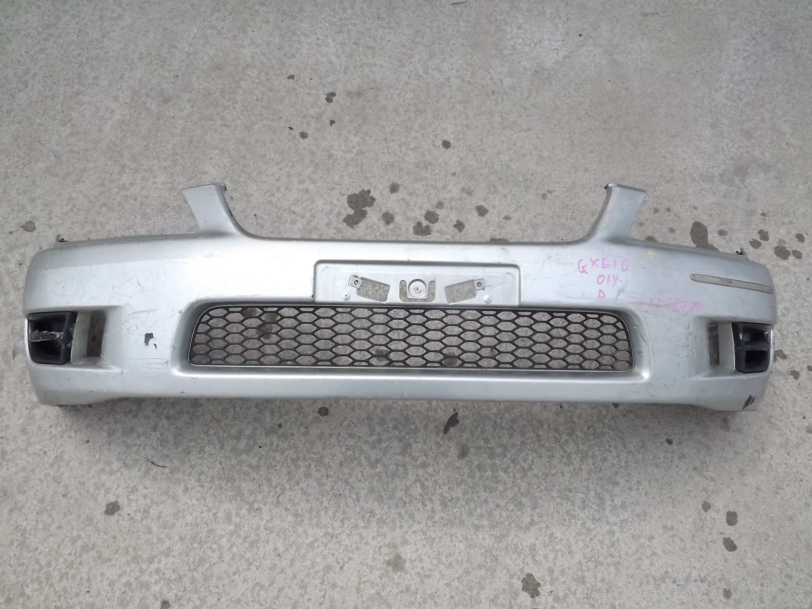 Бампер Toyota Altezza GXE10 передний (б/у)