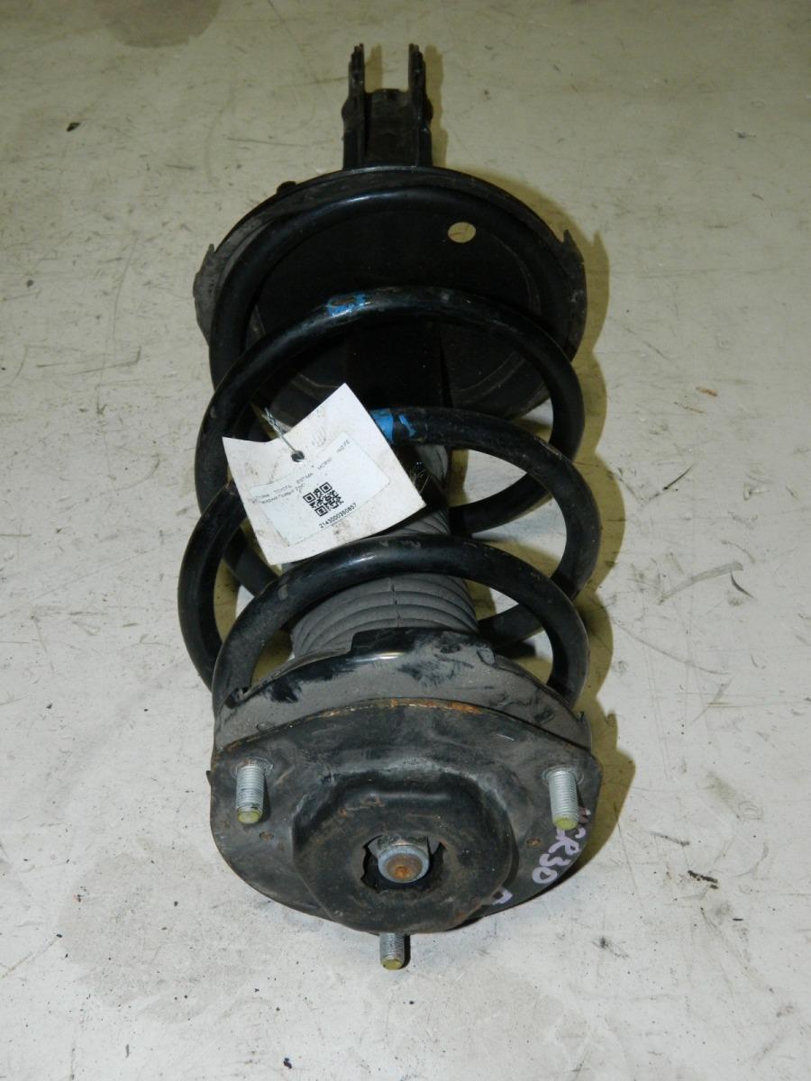 Стойка подвески Toyota Estima MCR30 передняя правая (б/у)