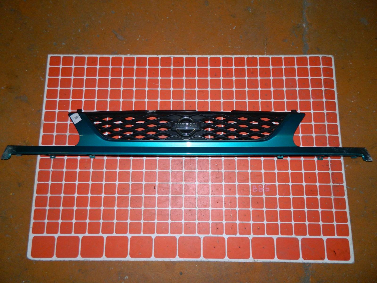 Решетка радиатора Nissan Serena C24 (б/у)