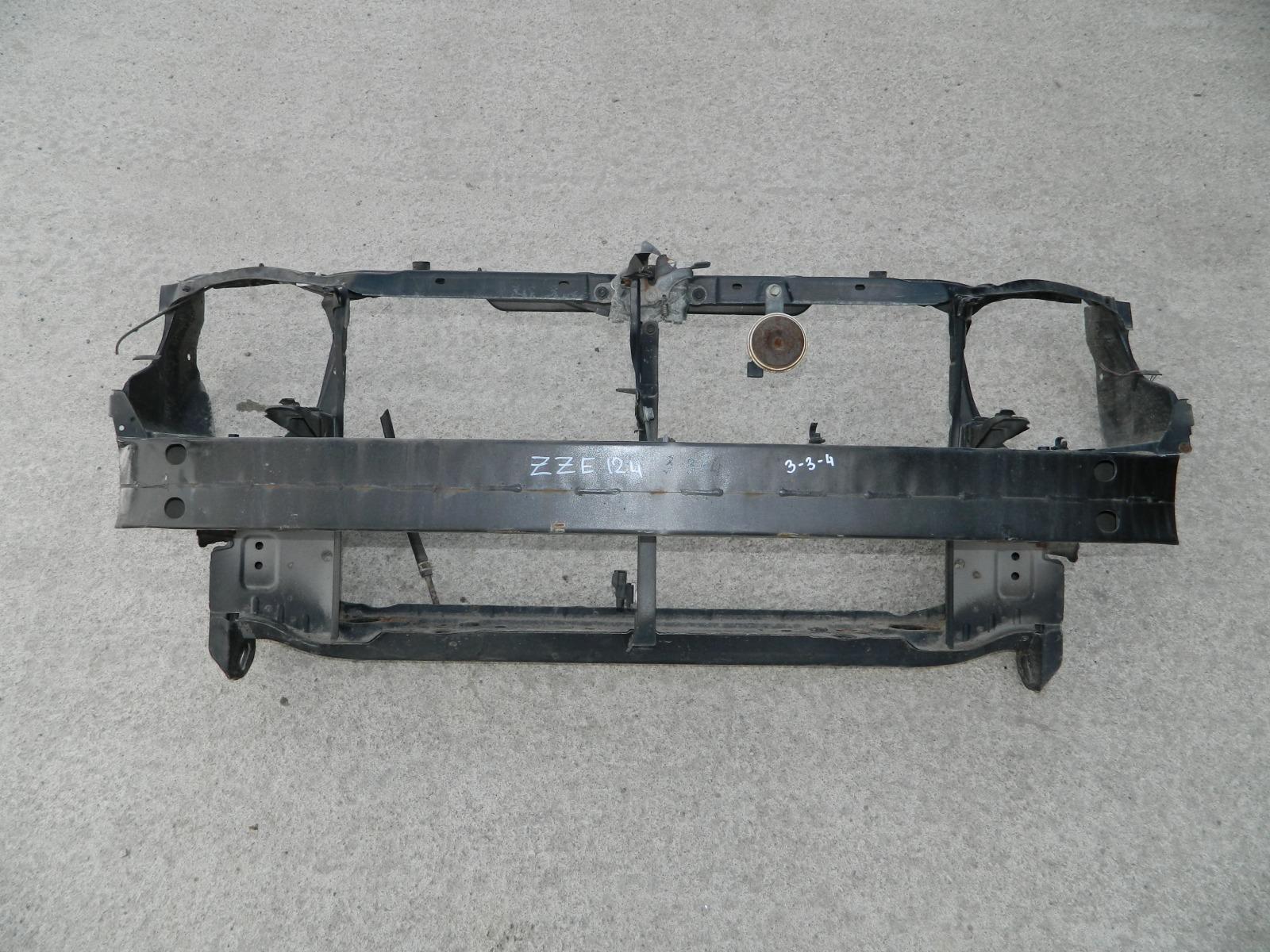 Рамка радиатора Toyota Corolla Fielder ZZE124 (б/у)