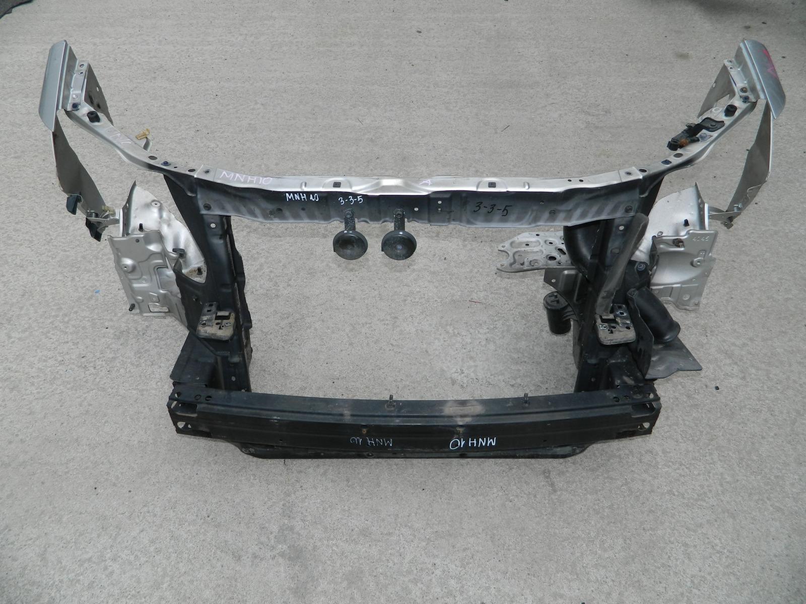 Рамка радиатора Toyota Alphard MNH10 (б/у)